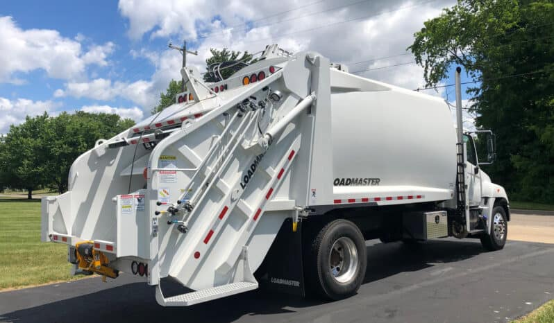 P115697   2020 Hino with 20 yd LoadMaster Legacy 3 Rear Loader full