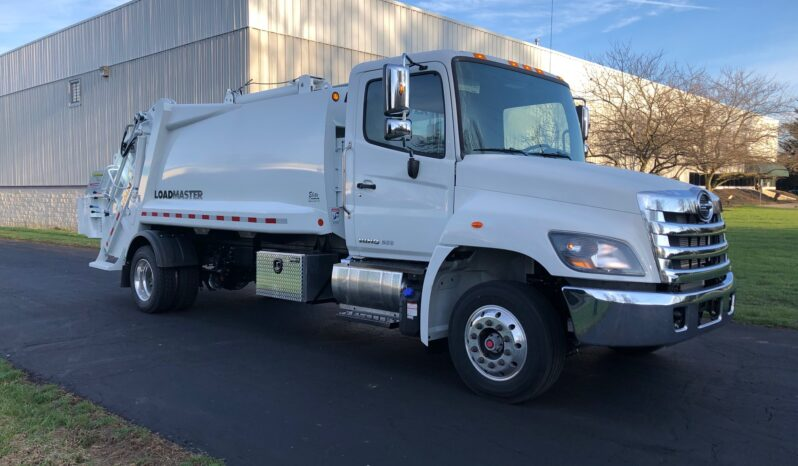P115716 | New 2020 Hino with 10 yd LoadMaster Elite High Compaction Rear Loader full
